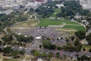 desde arriba del monumento, la gente