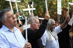 Mario Venegas, torturado de Chile, Martin Sheen y George Martin SOAW 2011